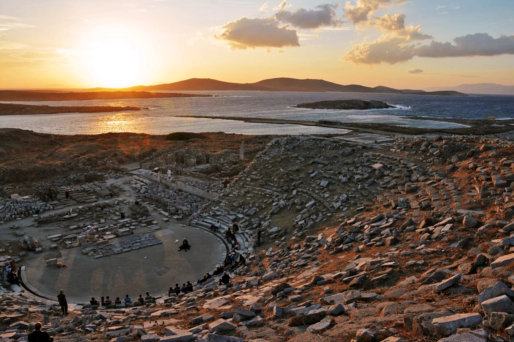 "Play of the Greek tragedy ""Ekavi"" at the ancient theatre of Delos"